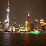 上海の夜景と遊覧船